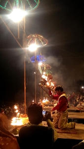 Beginning of the evening river aarti at Dasashwamedh Ghat,